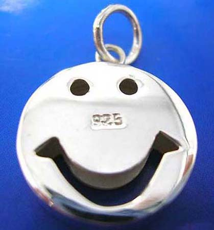 happy face with cut-out eye hole and mouth thai silver pendant sterling 925